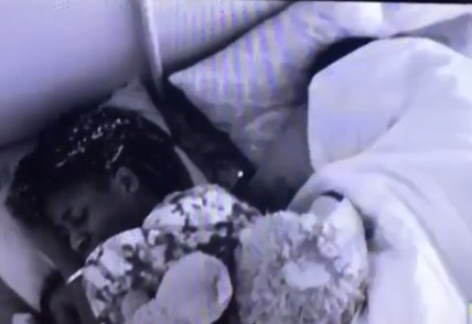#BBNaija 2018: Video of The Day; Did Alex And Tobi Have Sex?