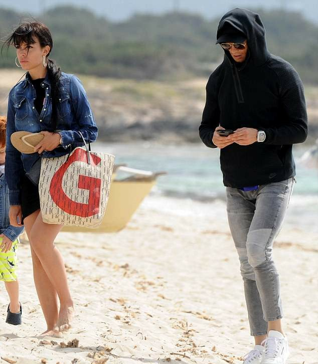 IMG_20180514_143327_161 Entertainment Gists Foreign General News Lifestyle & Fashion News Photos Relationships