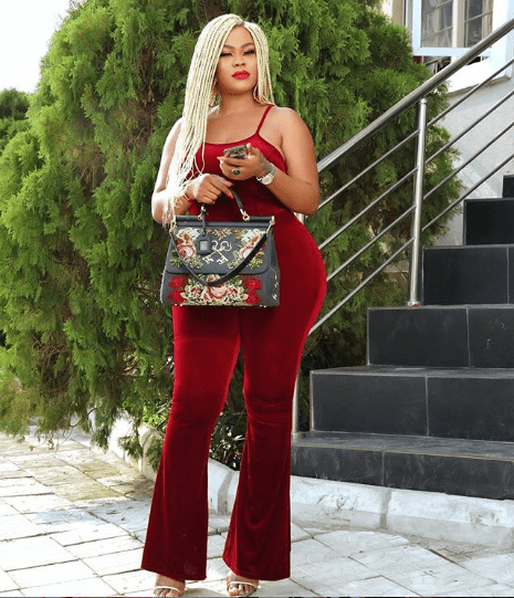 Actress Daniella Okeke flaunts her curvy backside in new sexy photos