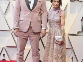 Aquaman star Jason Momoa and wife Lisa Bonet coordinate in pink stylish ensembles to the Oscars (Photos)