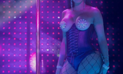 Cardi B exposes her boobs to promote her new movie