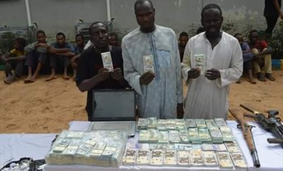 Photo: Police recover fake foreign and local currencies in uncompleted building in Kano, arrest five suspects