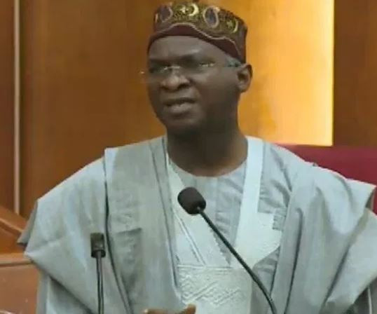 Minister of Works and Housing, Babatunde Fashola,?resumes office, suspends leaves and?travels for workers