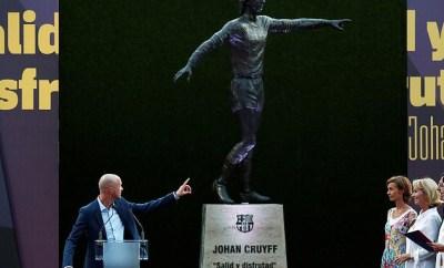 Barcelona unveil giant statue outside Camp Nou in honour of late club legend Johan Cruyff (Photos)