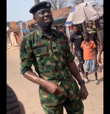 Trending video of a Nigerian soldier advising youths in Kubwa, Abuja against looting food items meant for NYSC Corp members