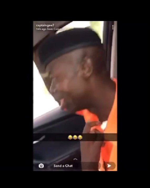Traffic officer calls on Jesus after a drift driver dealt with him for allegedly entering his car without any offence (video)