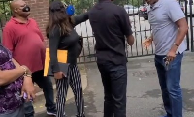 Nigerians berate official at Nigerian embassy in Atlanta for his conduct when they arrived to renew their passports (videos)