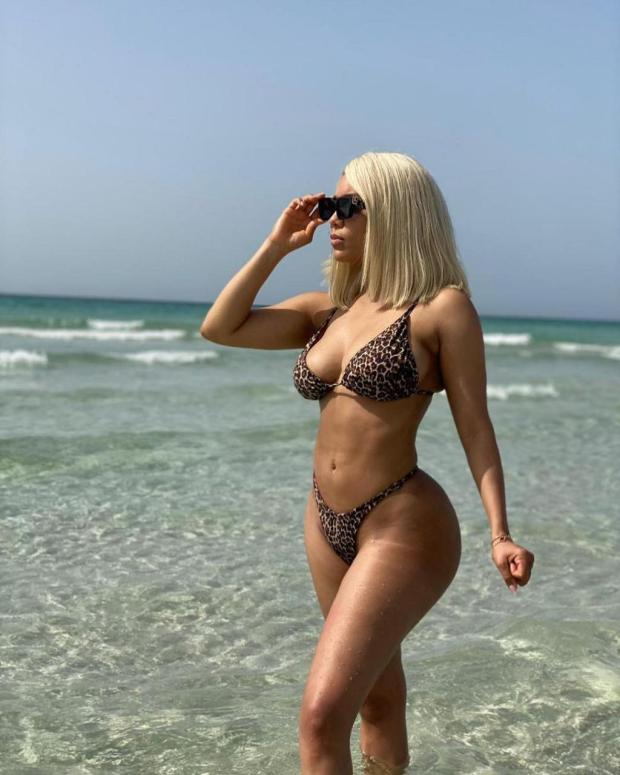 Sexy Bikini photos of BBNaija housemate Maria Chike