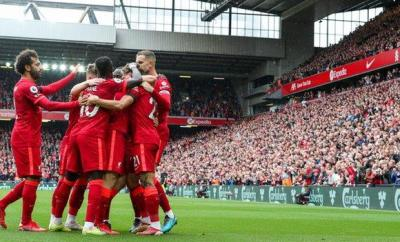 Liverpool players celebrate Diogo Jota's goal