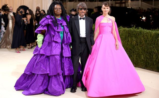 120542459_carey-and-whoopi-gettyimage