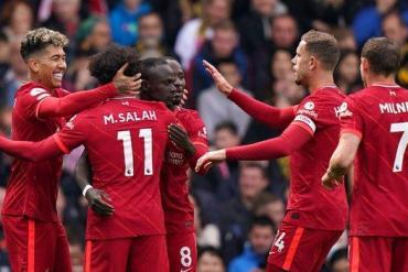 Liverpool celebrate Sadio Mane's opening goal at Watford