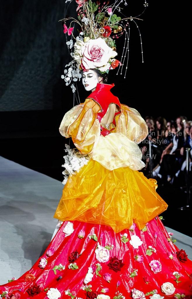 Honee Persona Style Fashion Week 4chion Lifestyel
