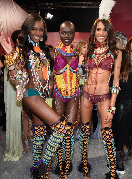 fashion-show-backstage-2017-lais-fantasy-bra-adriana-alessandra-balmain-victorias-secret 4chion lifestyle p