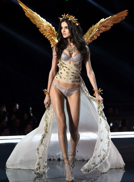 fashion-show-runway-2017-goddesses-blanca-look-9-victorias-secret 4chion lifestyle