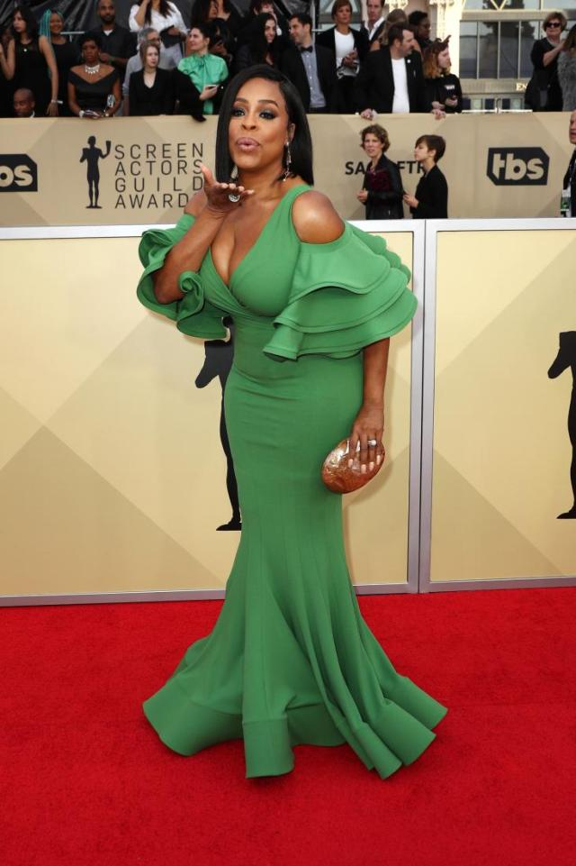 Niecy Nash red carpet SAG Awards 4Chion Lifestyle