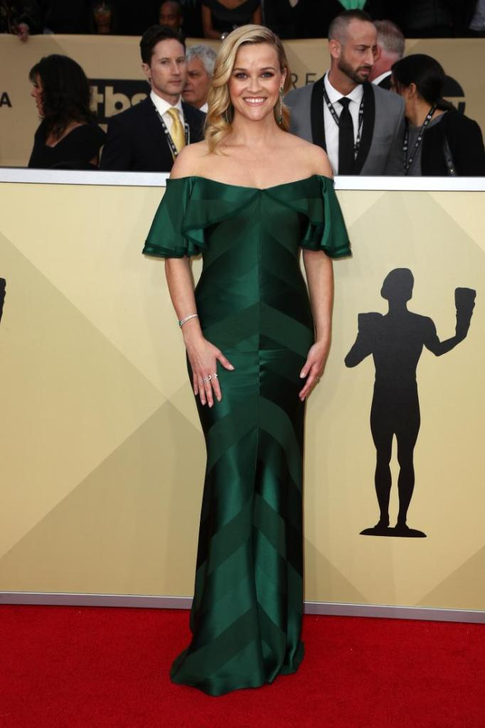 Reese Witherspoon red carpet SAG Awards 4Chion Lifestyle a