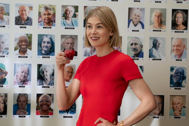 "I Care A Lot:  Rosamund Pike as ""Martha"". Photo Cr. Seacia Pavao / Netflix 4Chion Lifestyle"