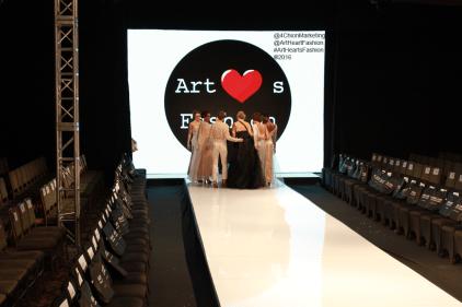 Art Hearts Fashion