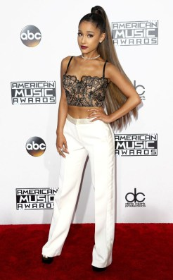 ariana-grande-amas-red-carpet-4chion-lifestyle