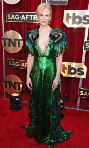 Nicole Kidman SAG Awards 4Chion Lifestyle wearing Stuart Weitzman shoes, &Fred Leighton Jewelry