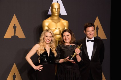 "Colleen Atwood poses backstage with Kate McKinnon and Jason Bateman with the Oscar® for Achievement in costume design, for work on ""Fantastic Beasts and Where to Find Them"" during the live ABC Telecast of The 89th Oscars® at the Dolby® Theatre in Hollywood, CA on Sunday, February 26, 2017."