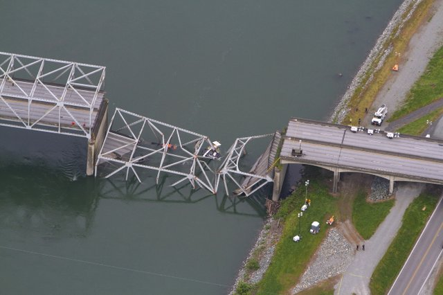 I-5_Bridge_Collapse_t640