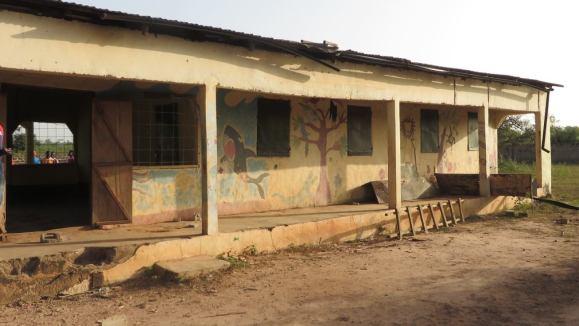 Vervallen gebouw kliniek Sittanunku