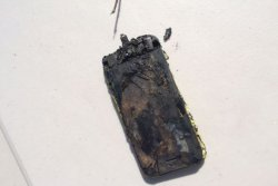 Apple-iPhone-catches-fire-burns-teenager.jpg-3