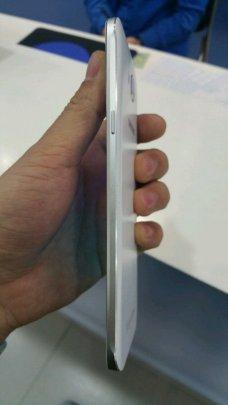 Samsung-Galaxy-A8-4