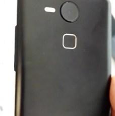 Earlier-leaked-alleged-Nexus-5-images2