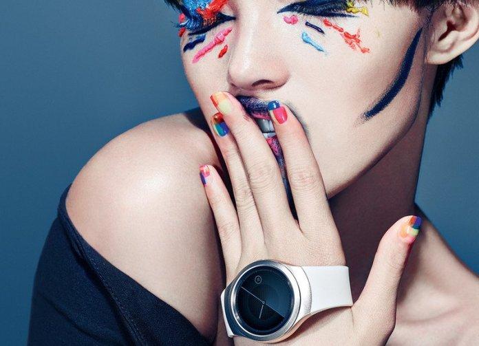 Samsung-Gear-S2-promo-image