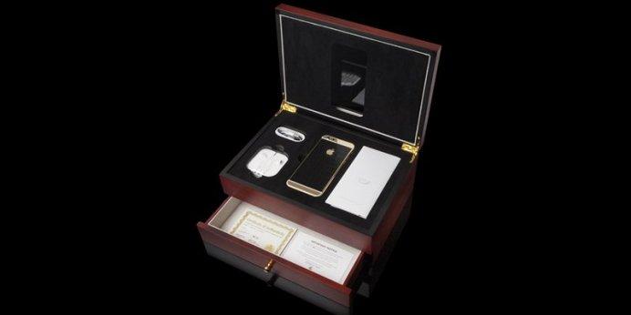 iphone6_croc_swa_logo_gold_black_3