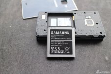 Samsung-SM-G9198-Android-clamshell-6