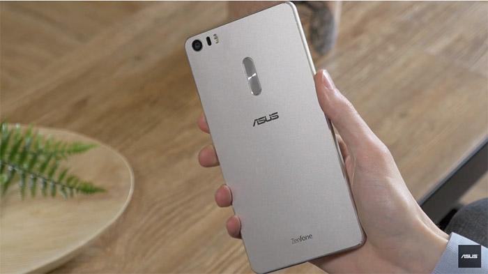 ZenFone 3 vs Moto G4