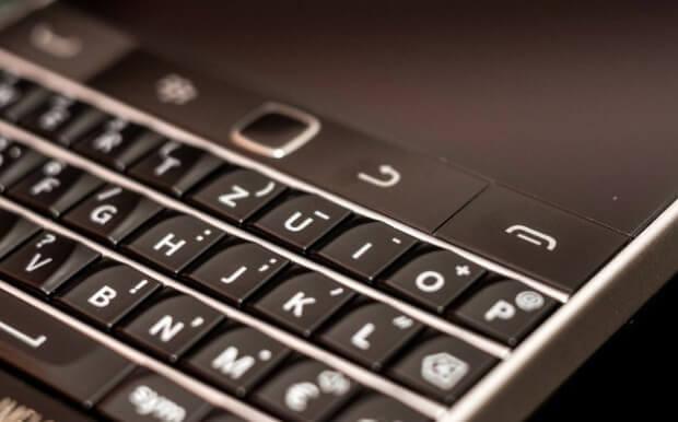 Blackberry classic 2 (1)