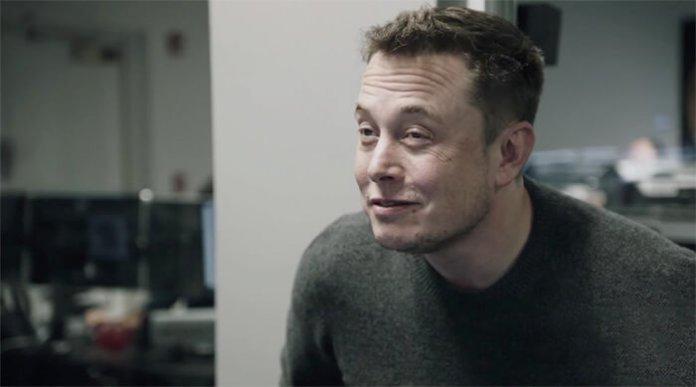 Elon Musk apaga o seu perfil do Facebook, da Tesla e da Space X