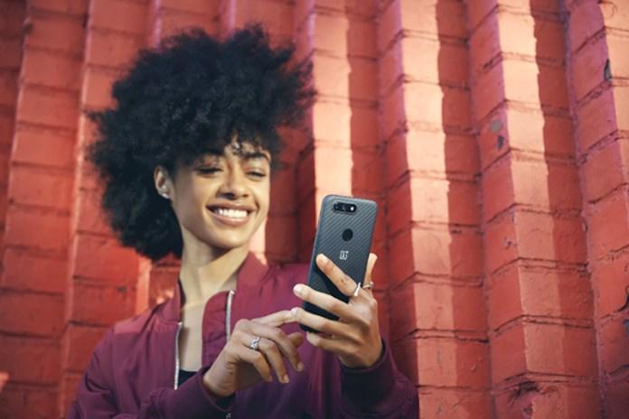 OnePlus 6 OxygenOS 5.0.3 OnePlus 5T smartphone FaceID investimento 600€