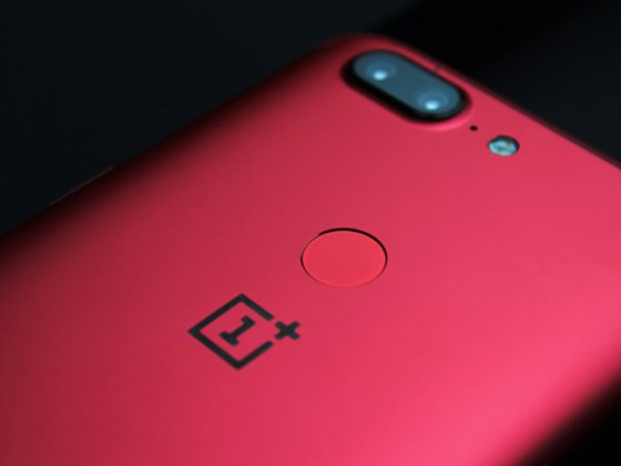 OnePlus 5T Lava Red Huawei Honor V10 smartphones
