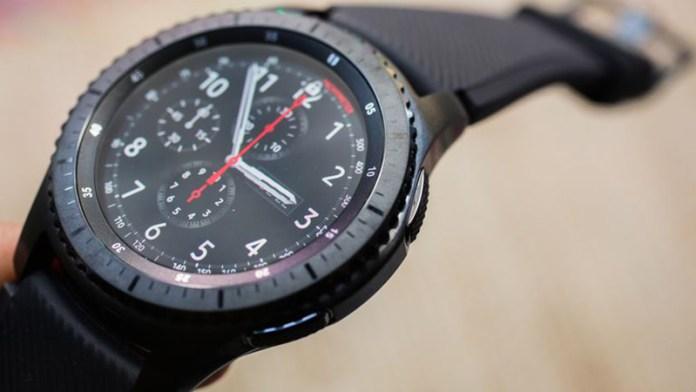 Próximo Samsung Gear Watch poderá chegar com WearOS da Google