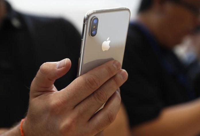 Apple Xiaomi Android Samsung Huawei Xiaomi Apple iPhone X Samsung Galaxy S9 Huawei P20 Apple iPhone X