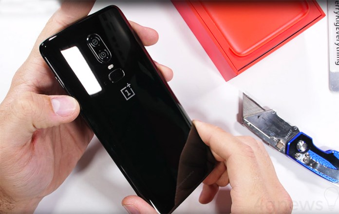 OnePlus 6 teste de resistÊncia Android Jerry Rig Everything