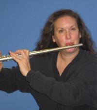 Flutist Linda Amons