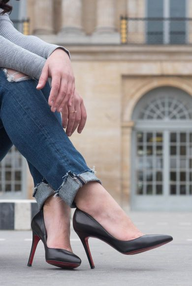 coco-and-vera-top-winnipeg-fashion-blog-top-canadian-fashion-blog-top-blogger-outfit-details-paige-jeans-christian-louboutin-heels-madewell-rings