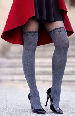szare zakolanowki czarna spodniczka