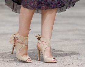 Adicta_A_los_Zapatos+Sandalias_ante_nude-beige+Lazo_talon_tacon_alto+IMG_9536