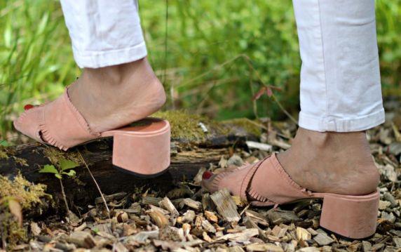 blush-pink-slip-on-sandals_currently-wearing_swiss-blog