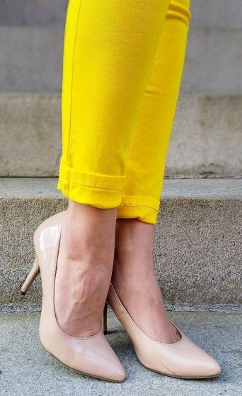 yellow-pants-nude-heels
