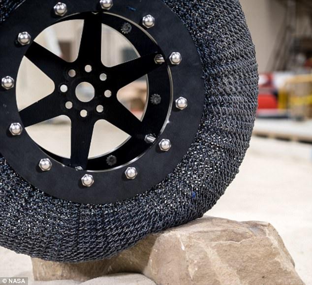 Суперэластичные непробиваемые шины