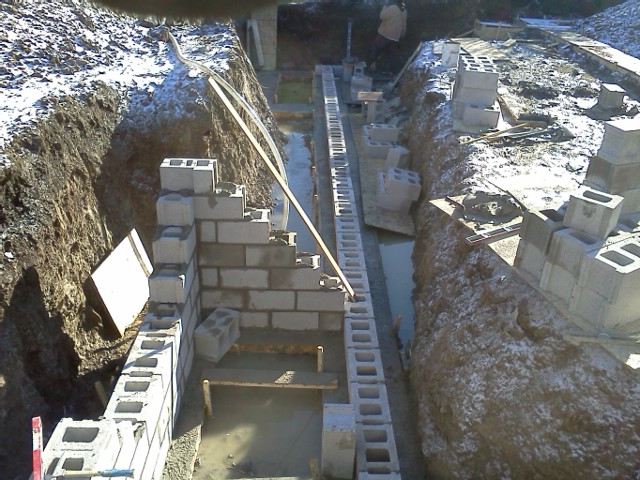 Extra foundation in the septic pit