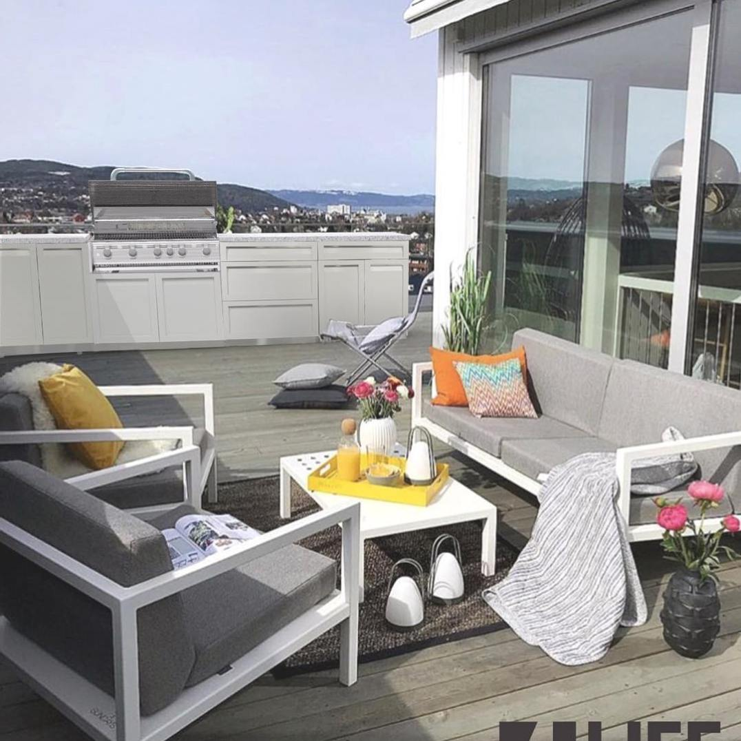 4 Life Outdoor Kitchen white stainless in patio457